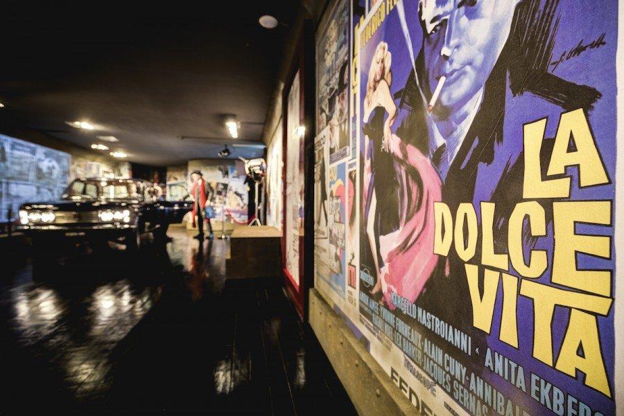 Una delle sale allestite a Cinecittà per la mostra dedicata al centenario di Federico Fellini